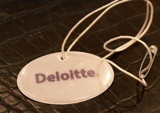 Deloitte logoga helkur