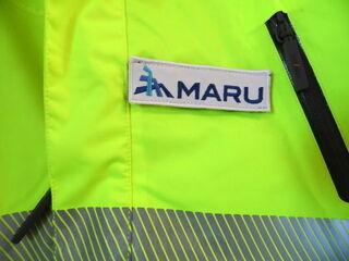 Brodeerattu logo takkille Maru