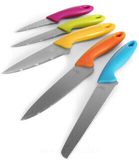 Five teräs kitchen knives